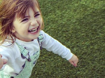 Brincar de faz de conta melhora o desenvolvimento em crianças