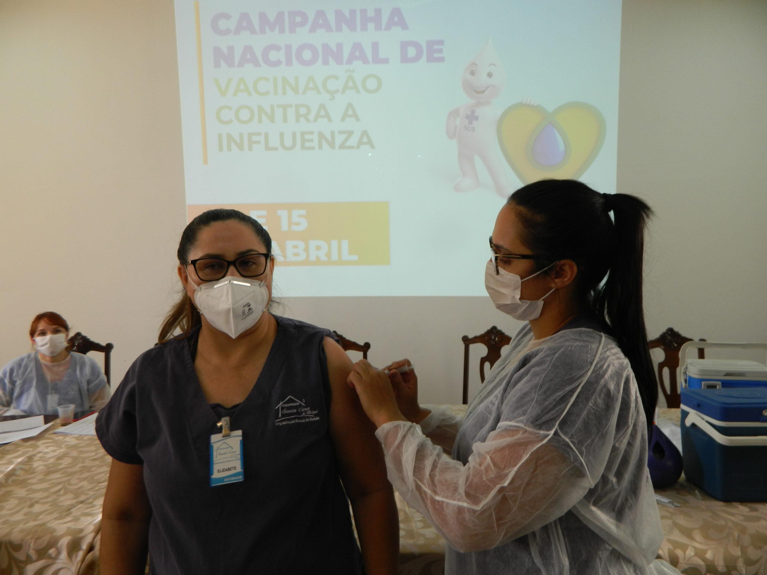 Nos dias 14 e 15 de abril, aconteceu a campanha de vacinação contra a Influenza